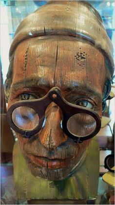 Discover Stichting Nationaal Brilmuseum in Amsterdam, Netherlands  The  spectacular history of spectacles on display. 159cd43ab367