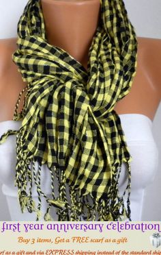 SCARF by Fatwoman on Etsy, (9.90 - 14.90)             $13.50    I want :) I have a red one like it :)