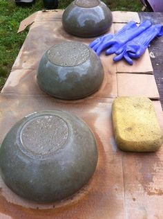 Easy to make concrete bowls and planters.