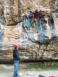 www.boulderingonline.pl Rock climbing and bouldering pictures and news holyshamrocks:Climbi