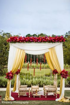 trendy wedding decorations indian color schemes Best Picture For wedding c. trendy wedding decorations indian color schemes Best Picture For wedding ceremony decorations Wedding Ceremony Ideas, Wedding Mandap, Wedding Ceremony Decorations, Decor Wedding, Reception Ideas, Garden Wedding, Altar Wedding, Wedding Garlands, Wedding Venues