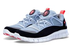 The Free form Nike Huarache Light is destined to be a winner in 2013. After recently previewing the aquamarine colourway, we get a look at this wolf grey, black and infrared makeup headed our way …