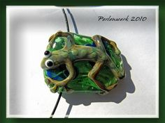 Jasmin Eder auf KUSELVER Collier mit Gecko-Perle Jasmin, Lampwork Beads, Christmas Ornaments, Holiday Decor, Glass, Home Decor, Necklaces, Interesting Facts, Kunst