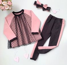 Source by chouriocolina Blouses Source by KidsBabyMomFashion Blouses - Children's fashion Frocks For Girls, Little Girl Dresses, Girls Dresses, Cute Dresses, Toddler Girl Style, Toddler Fashion, Kids Fashion, Fashion Fashion, Baby Frocks Designs