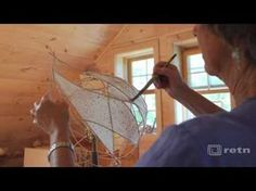 The Artists of Frog Hollow narrate a step-by-step slideshow showing the creation of their work. Light Art, Lamp Light, Diy Light, Light Table, Cool Eye Drawings, Diy Luminaire, Driftwood Lamp, Wood Lamps, Light Crafts