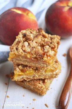 These peach crisp bars are not only super delicious, and they're also guilt-free treat! Find this healthy recipe on NotEnoughCinnamon.com #glutenfree #cleaneating #grainfree #dessert #summer