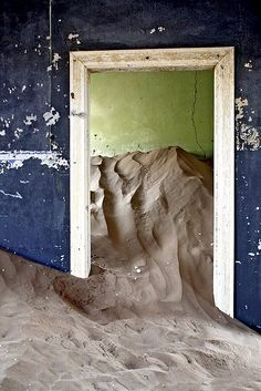 Kolmanskop, Namibia   Ghost Town   Abandoned Diamond Mining Town