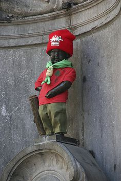 Manneken Pis as a Boy Scout.