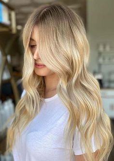discount Golden Blonde Hair Colors for Long Hair to Show Off in 2020 Everyday Hairstyles, Latest Hairstyles, Girl Hairstyles, Perfect Hair Color, Golden Blonde Hair, Hair Color Highlights, Hair Looks, Hair Trends, My Hair