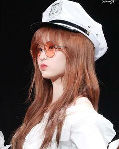 """Girls don't want boys, they want Kim Minjoo [A thread]"" Secret Song, Yu Jin, Japanese Girl Group, Pop Idol, Famous Girls, Fandom, Kim Min, Japanese Names, Her Smile"