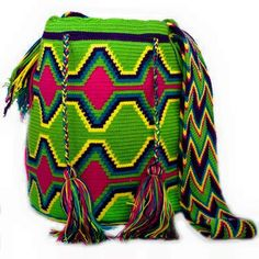 Free Crochet Bag Patterns Part 14 - Beautiful Crochet Patterns and Knitting Patterns Free Crochet Bag, Bead Crochet, Crochet Bags, Tapestry Bag, Tapestry Crochet, Mochila Crochet, Boho Bags, Crochet Handbags, Crochet Round