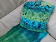 Hand-dyed linen yarn by eco-stitch. Crochet bag.