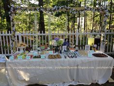 Another end-of-summer backyard movie night? There's a shortage of perfect parties in this world. Movie Night Party, Family Movie Night, Party Time, Bride Cupcakes, Fun Party Themes, Party Ideas, Princess Bride Wedding, Backyard Movie Nights, Birthday Fun