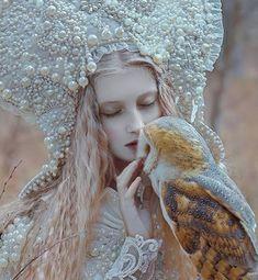 Photography women fantasy fairy tales ideas for 2019 Fantasy Photography, Winter Photography, Photography Women, Foto Fantasy, Fantasy Art, Maria Amanda, Magic Realms, Winter Fairy, Fairytale Fantasies