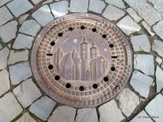 Manhole cover displaying the cathedral of Naumburg (Saale), Germany Lower Saxony, North Rhine Westphalia, Cartography, Dom, Urban Art, Cover Design, Cover Art, Metal Working, Tapas