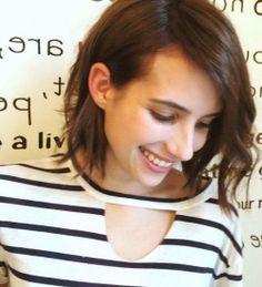 Emma Roberts saç rengini değiştirdi