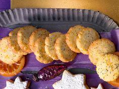 Dieses Backrezept für Orangen-Mohn-Kekse wird Ihnen Spaß machen. Die Plätzchen eignen sich hervorragend an Weihnachten, aber auch als Leckerei für Zwischendurch.