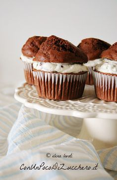 honey and chocOlate muffins filled with ricotta & pistachio