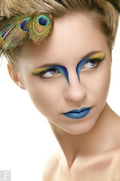 Pfau inspiriert dramatische Augen Make-up-Ideen - avo rela - Makeup Guide, Eye Makeup Tips, Makeup Art, Hair Makeup, Makeup Ideas, Makeup Goals, Dramatic Eyes, Dramatic Eye Makeup, Makeup Light
