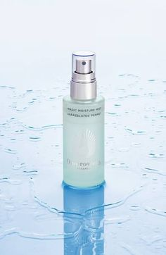 A liquid moisturizer powered by an innovative two-phase formula to instantly hydrate and revitalize parched skin. Best Face Serum, Best Eye Cream, Cosmetic Design, Cosmetic Packaging, Skin Firming, Skin Cream, Makeup Cosmetics, Mists, Moisturizer