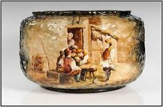 Émile Gallé, Cache-pot circulaire  décor de personnages attablés devant une maison