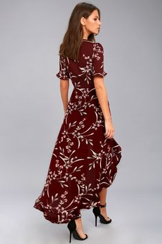 Let the breeze be your dance partner in the Wild Winds Burgundy Floral Print High-Low Wrap Dress! Floral print wrap dress with a high-low skirt. Burgundy Dress, Trendy Clothes For Women, Online Dress Shopping, Retro Dress, Summer Dresses, Stylish Dresses, Elegant Dresses, Floral Dresses, Ideas Party