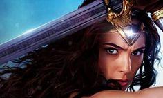 Ve Gal Gadot como Wonder Woman… y luce simplemente genial Este año está dando pie al universo cinematográfico de DC, a principios de año vimos a Batman y Superman en la adaptación del legendario cómic de Fran Miller, y claro en unas semanas la adaptación del cómic de John Ostrander, Suicide Squad. Es obvio que …