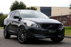 Volvo XC60 : It would look so good .... with a baby seat inside.