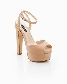 Platform and peep toe shoe. Classy ♥