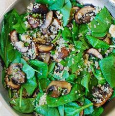 Spinach and mushroom quinoa (Almost Paleo. Maybe substitute Quinoa with cauliflower) Veggie Recipes, Great Recipes, Vegetarian Recipes, Cooking Recipes, Favorite Recipes, Healthy Recipes, Summer Recipes, Cooking Kale, Easy Recipes