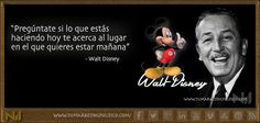 Walt Disney se atrevió a perseguir sus sueños. Descubrió al mundo el poder de los dibujos animados y como convertir sus personajes en marcas bien posicionadas. Monetiza tus sueños.