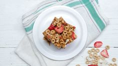 Recipe with video instructions: Making breakfast first thing can be hard. Instead, why not make these four simple and delicious meals ahead of time? Ingredients: 2 cups milk (variations: almond milk, coconut milk, chocolate milk), 3 Tbsp honey, 1 cup strawberries, chopped + more for garnish, ⅔ cup chia seeds