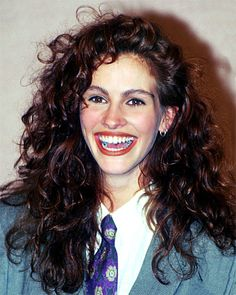 The Most Memorable Hair and Makeup Looks at the Golden Globes - Julia Roberts, 1990