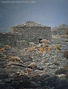 VISIT GREECE  #Psiloritis Mt, #Mitata #Rethymno #Crete #Greece Creta Greece, Crete Island, Natural Homes, Europe, Greek Islands, Construction, Countryside, Rethymno Crete, Beautiful Places