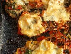 """Borzas"" husi tepsiben | gpmaria receptje - Cookpad receptek Vegetable Pizza, Lasagna, Cauliflower, Chicken, Vegetables, Breakfast, Ethnic Recipes, Foods, Red Peppers"