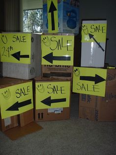 Successful Garage Sale 101 Go to the dump first. That is right – get rid of the genuine junk before you begin. I know all the stories about you will be surprised what people will buy. Yard Sale Signs, Garage Sale Signs, For Sale Sign, Sell Your Stuff, Things To Sell, Rummage Sale, Moving And Storage, Craft Sale, Organization Hacks