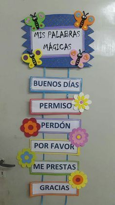 its written here magic words like please thank you .but we could write biblical Spanish Classroom Decor, Bilingual Classroom, Bilingual Education, Kids Education, Elementary Spanish, Teaching Spanish, Class Decoration, School Decorations, Magic Words