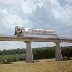 1963 Aerotrain: A jet propelled hovercraft on a monorail