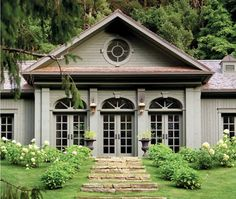 Grand country house. Designed by Daniel Brisse. Photo by André Rider. Featured in Canadian House and Home Sept. 2010.