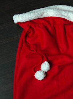 DIY: Santa bag. This would be great to put the kids presents in every year as a tradition.