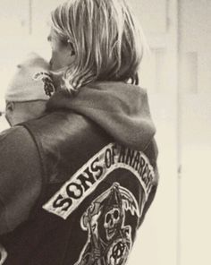Sons of anarchy, my ovaries are panging......he's so adorable with his kids Tara Knowles Teller is so lucky!!!!