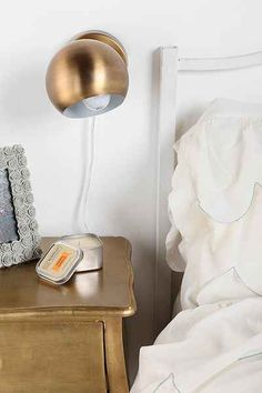 Eyeball Sconce - Urban Outfitters Good alternative to a table lamp Bedside Lighting, Living Room Lighting, Bedroom Lighting, Cool Lighting, Bedside Lamp, Lighting Ideas, Closet Bedroom, Home Bedroom, Master Bedroom