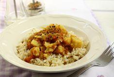 Egy indiai ihletésű újévi finomság: Vöröslencsés karfiolcurry - Kicsi Vú 5 elem konyhája Fried Rice, Fries, Curry, Paleo, Wordpress Theme, Ethnic Recipes, Food, Cilantro, Curries