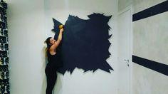 Pannello MDF dove disegnare #murales di una #farfalla. #Arredo #negozio #abbigliamento #ecosostenibile e #vegan