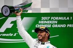Tribuna Esportiva RS: Lewis Hamilton vence a primeira no ano
