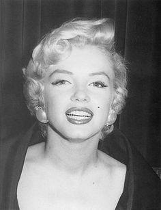 marilyn monroe, b&,w, blonde, girl Robert Mapplethorpe, Annie Leibovitz, Richard Avedon, Hollywood Actresses, Old Hollywood, Classic Hollywood, Gentlemen Prefer Blondes, Photocollage, Marilyn Monroe Photos