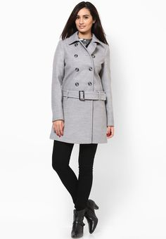 Stand out in the crowd wearing this grey coloured overcoat from the house of Dorothy Perkins. Made of poly viscose spandex, this overcoat for women ensures total comfort all day long. This overcoat will keep you warm and cosy in chilly winters.