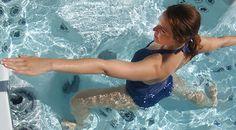 Yoga beoefenen in de Jacuzzi Jacuzzi, Yoga, Tub, Outdoor Decor, Bath Tub, Yoga Tips, Yoga Sayings, Bathtub, Whirlpool Bathtub