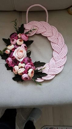 Crochet Crafts, Crochet Doilies, Rope Crafts, Create And Craft, Floral Wreath, Christmas Decorations, Wreaths, Couture, Projects