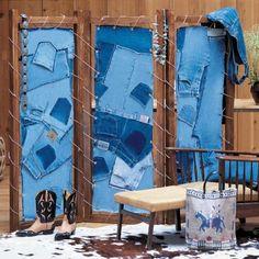 Un paravent avec des morceaux de jean // jean, interior, upcycling, folding screen, blue, denim, interior